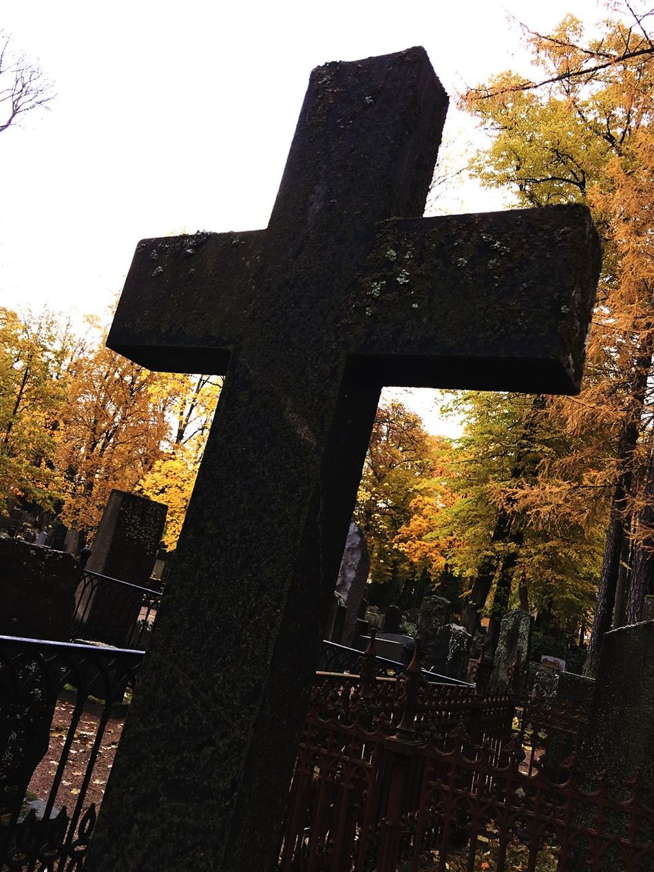 Cross in the Hietaniemi Graveyard Photographed With IPhone 6s Plus