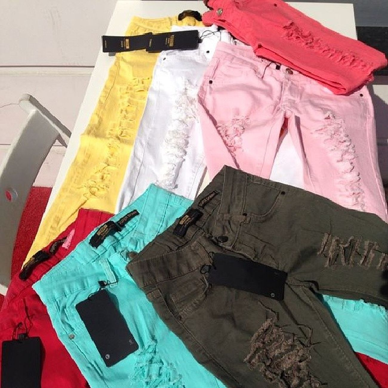 Yeni Sezon Model Pantolon butik bayan İzmir İstanbul Turkiye Assos dostum party girly copenhagen colors kardeş kaliteli jeans etek kombin çok güzelgeldişimdiherkestarzgiyecek