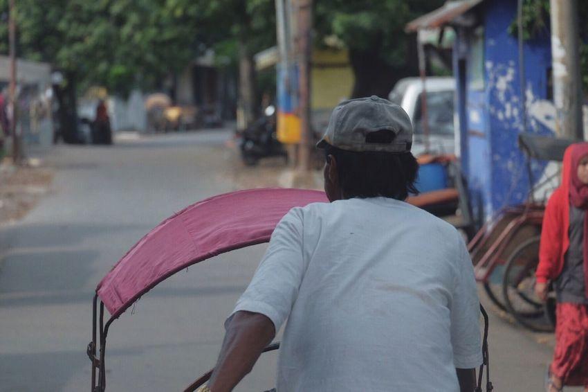 Becak Becak Driver INDONESIA FUJIFILM X-T10 Fujifilm_xseries Roadtrip Surabaya Indonesia_photography