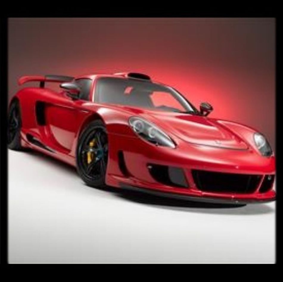 #PorscheCarreraGT