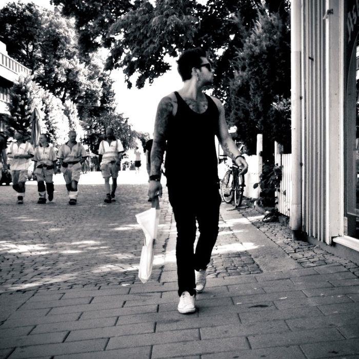 Men and Women in Black pt. 1/X Feat. Working men. sStreetphoto_bw Streetphotography Summer Guys Men And Women In Black