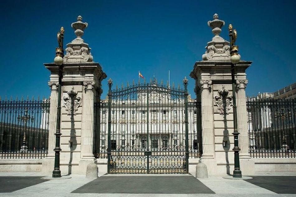 Travel Destinations City Palacio Real, Madrid, Spain Madrid España Sun Travel Photography Sightseeing Royal Palace Of Madrid Travelling Photography Viaje Citytrip Städtereise Trip
