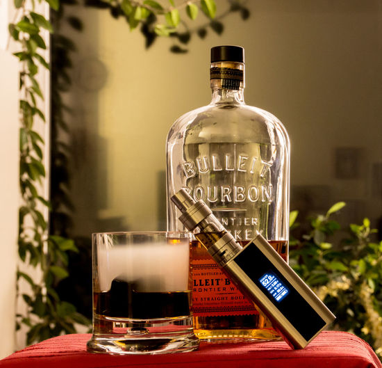 Bottle Bourbon Dampfen Drink Drinking Glass Drinks E-Zigarette Eis Electronic Cigarette Fog Ice Indoors  Nebel No People Table Vape Vapen Vapeporn Vaping Whiskey