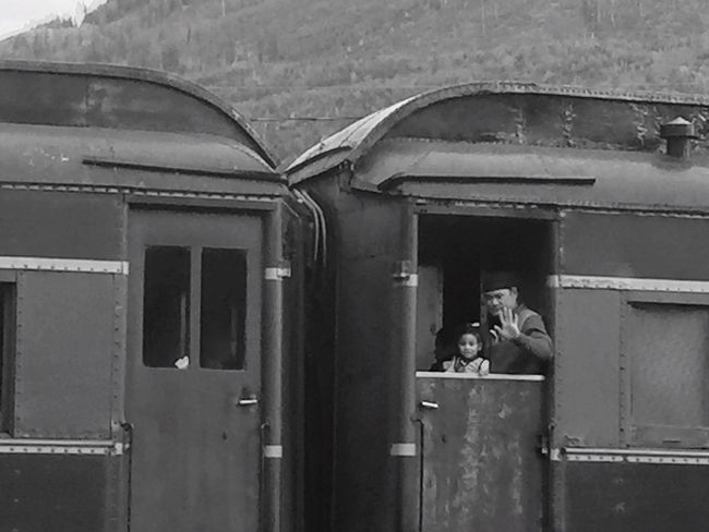 Traveling Travelphotography Train Trailblazers_bnw Trains & Railroad Trains Frontier Vintage Style Vintage❤ No Filter No Edit Just Reality EyeEm Eyeem Market Eye4photography  if you travel far and wide enough look what you find in the hills. Mode of transportation for many to backwoods living. Engine and 2 cars full. Caught pumpkin going for ride too🤔