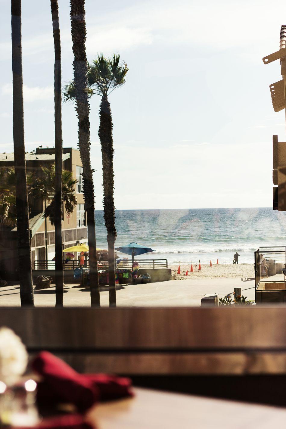 Beautiful stock photos of café, Beach, Cafe, City Life, Day