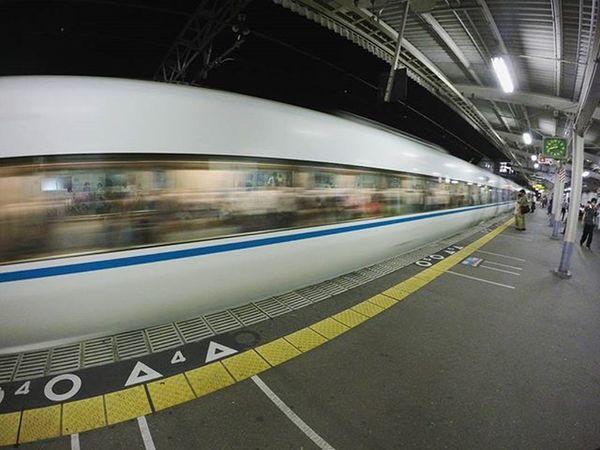 九州一周するときに絶対行ったほうがいいってとこ教えてください!!! 入試の時にどっかの駅で撮ったpic📷 宮崎の電車と比べると長いなあ🚃 皿洗うとき腰いたい パイの実 卒業旅行 Japan OSAKA Station Train Rapid Long Go Home Trip Hjghschool Student Lark Gopro Pic F4F Like4like Instagood 特急 駅 大阪 明日登校日 はよ大学行きたい 写真撮ってる人と繋がりたい 写真好きな人と繋がりたい ファインダー越しの私の世界 奥行き同盟