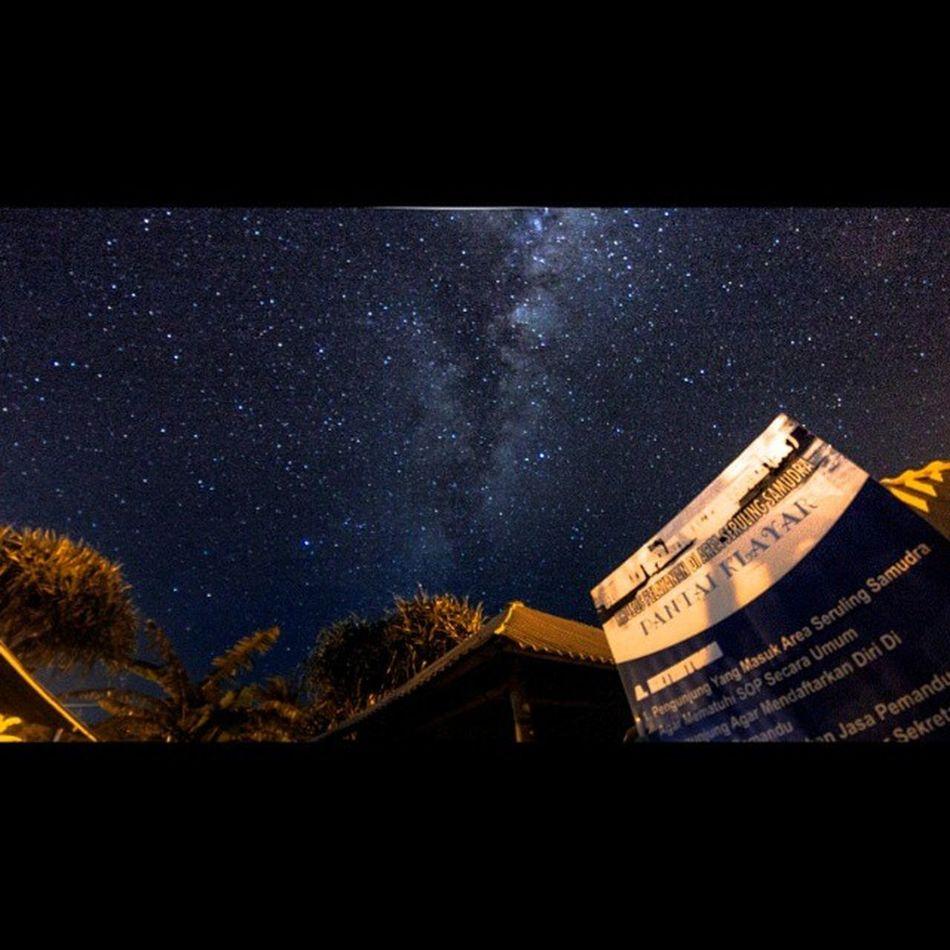 Bimasakti in frame at Klayar Milkyway INDONESIA Indonesiajuara Explorepacitan Explore Sky Canon_photo Instanusantara Pacitan Can_500