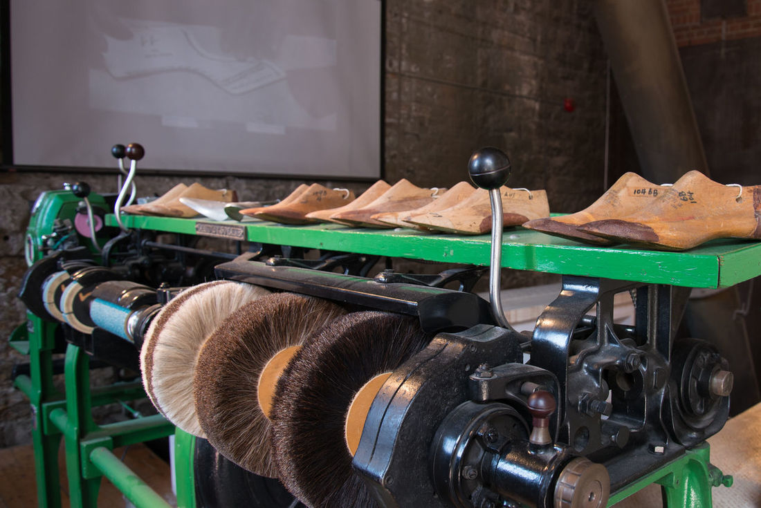 Craftmanship Crafts Handmade Old-fashioned Preparation  Quality Shoe Maker Shoemaker Still Life Tools Of The Trade Tradition Traditional
