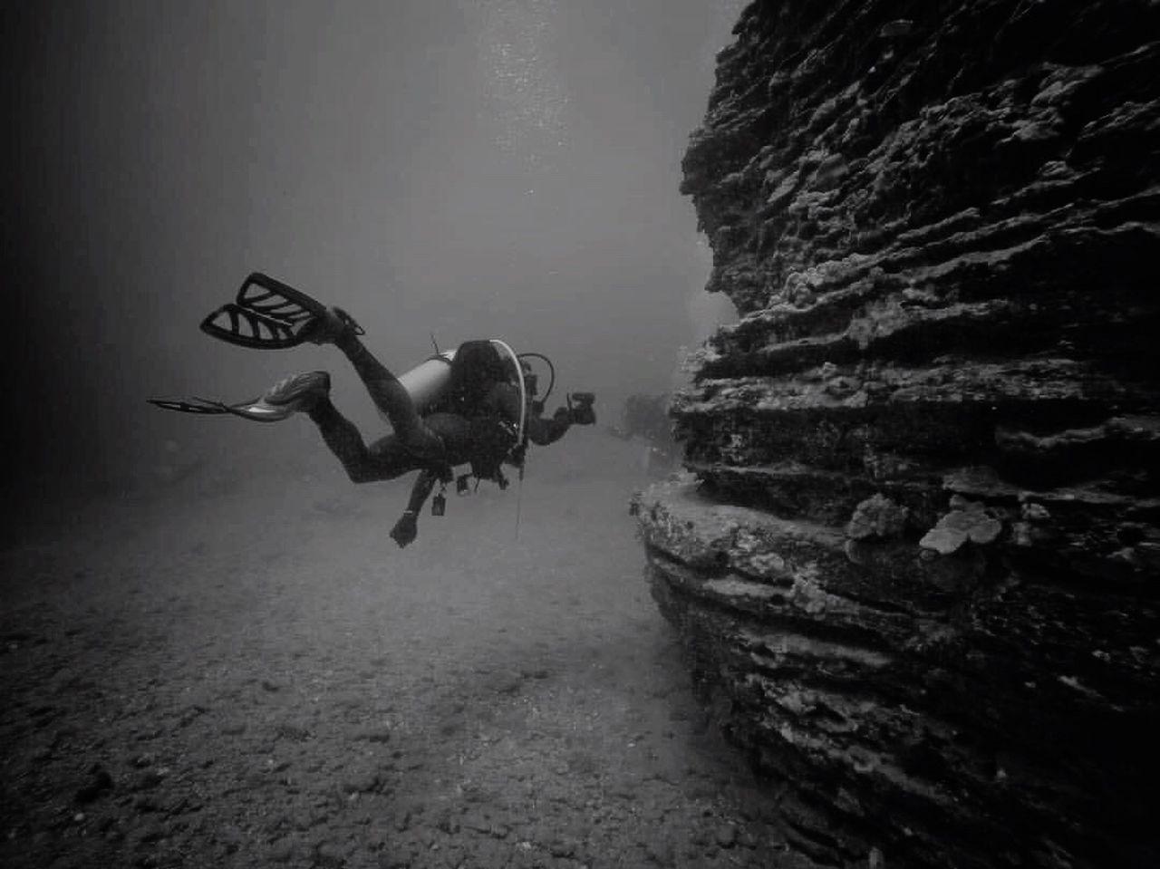 Sea Scuba Diving UnderSea Underwater Adventure Rock - Object Water Beach Full Length Swimming Nature Day Outdoors Oahu LivingLife EyeEm Best Shots EyeEm Nature Lover Scubadiver SCUBA Scubadiving Underwater Photography Enjoying Life