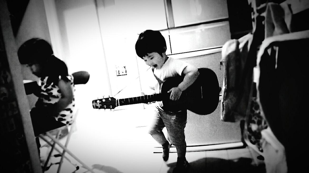 [16.05.24] ロックンロール Rock'n'Roll Sound Of Life Rock Music Guitar Indoors  Toy Toys Person Creative Light And Shadow Child People Japanese  Cool Japan Monochrome Black & White Black And White Pixlr Japan Enjoying Life
