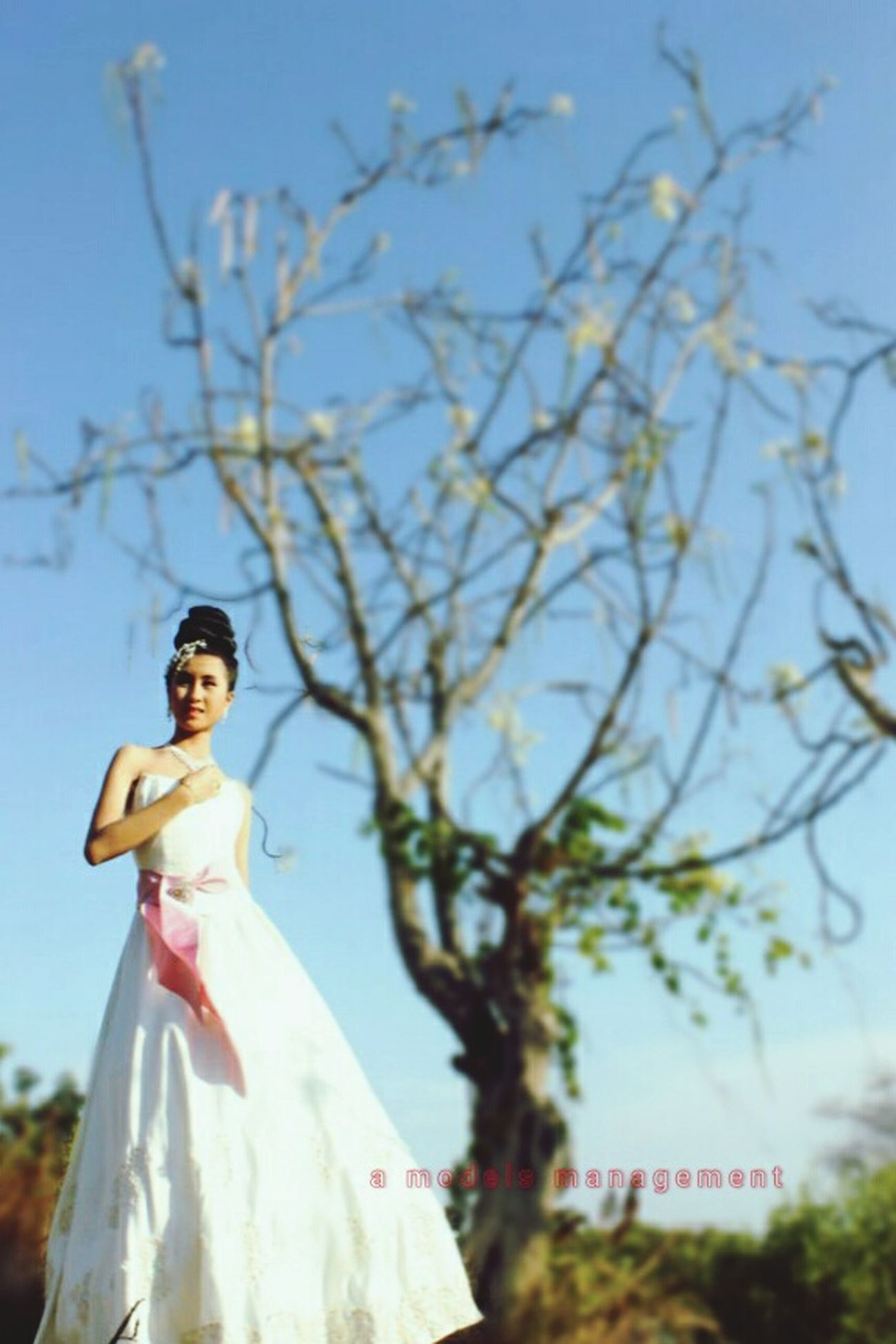 """the bride"" gown: prijono agung--MUA: adie iskandar---photographer: angga catur---model: catherine wenny Model Gown Eveninggown Photography Fashion Makeup Hairstyle Amodelsmanagement Surabaya"