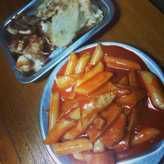 매콤 떡볶이 바삭바삭 튀김 오징어튀김고구마튀김홈메이드onelove