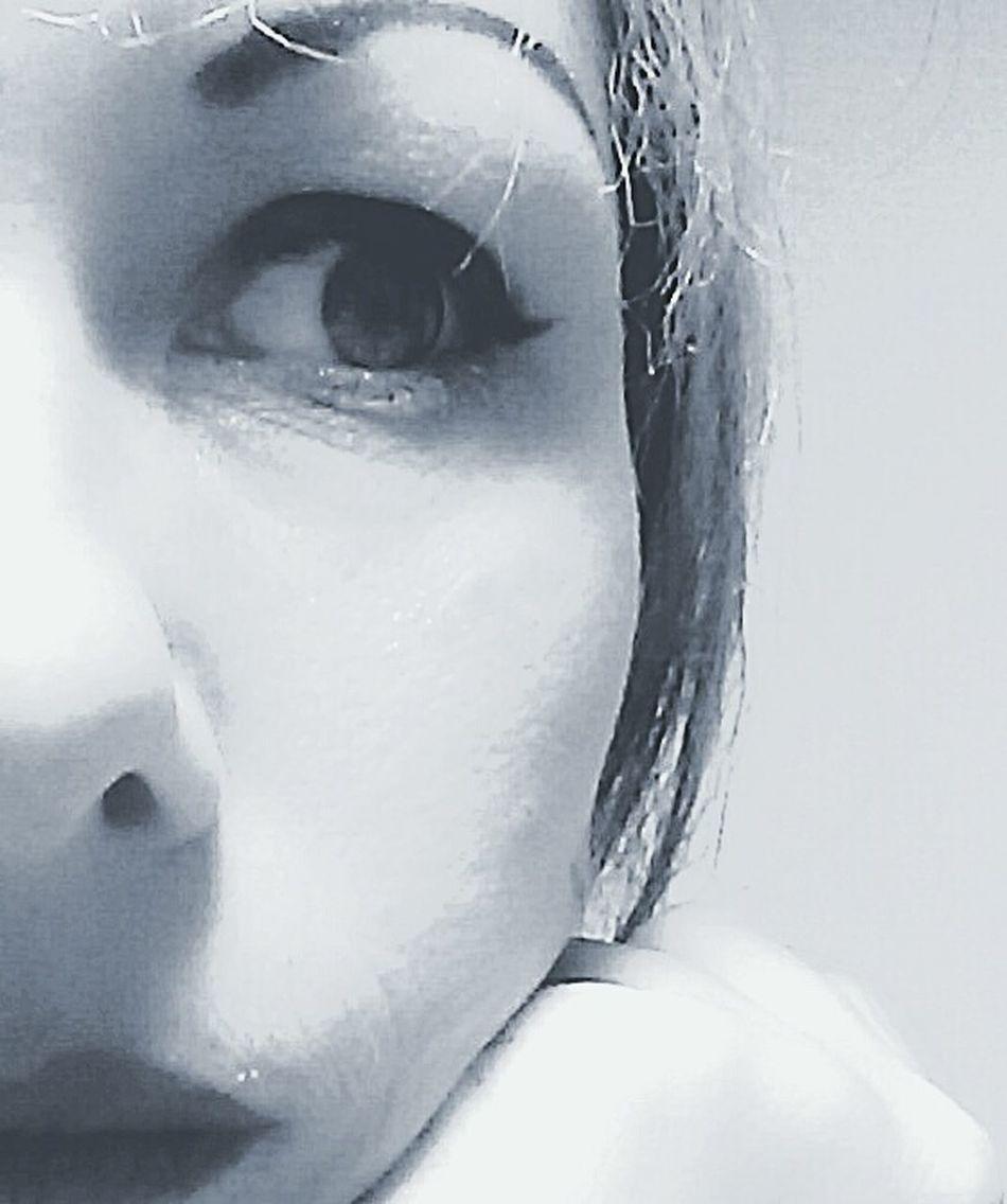 Bete noire. Fast Through A Slow-motion Landscape Black And White Svartvitt Schwarzweiß The Photographer Black And White Photography Notes From The Underground Women Of EyeEm Unusual Beauty Noir Et Blanc