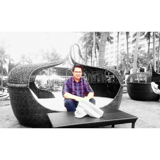 Sofitel Plaza Asianguy @pinoy Filipino Sofitel Hotel chill relax smile PINASmile