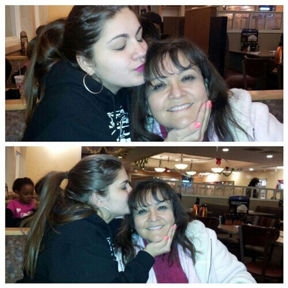happy birthday to my beautiful ecuadorian mommy. even those im across the country i still lpve u and miss lots <3 feliz cumpleaños mami