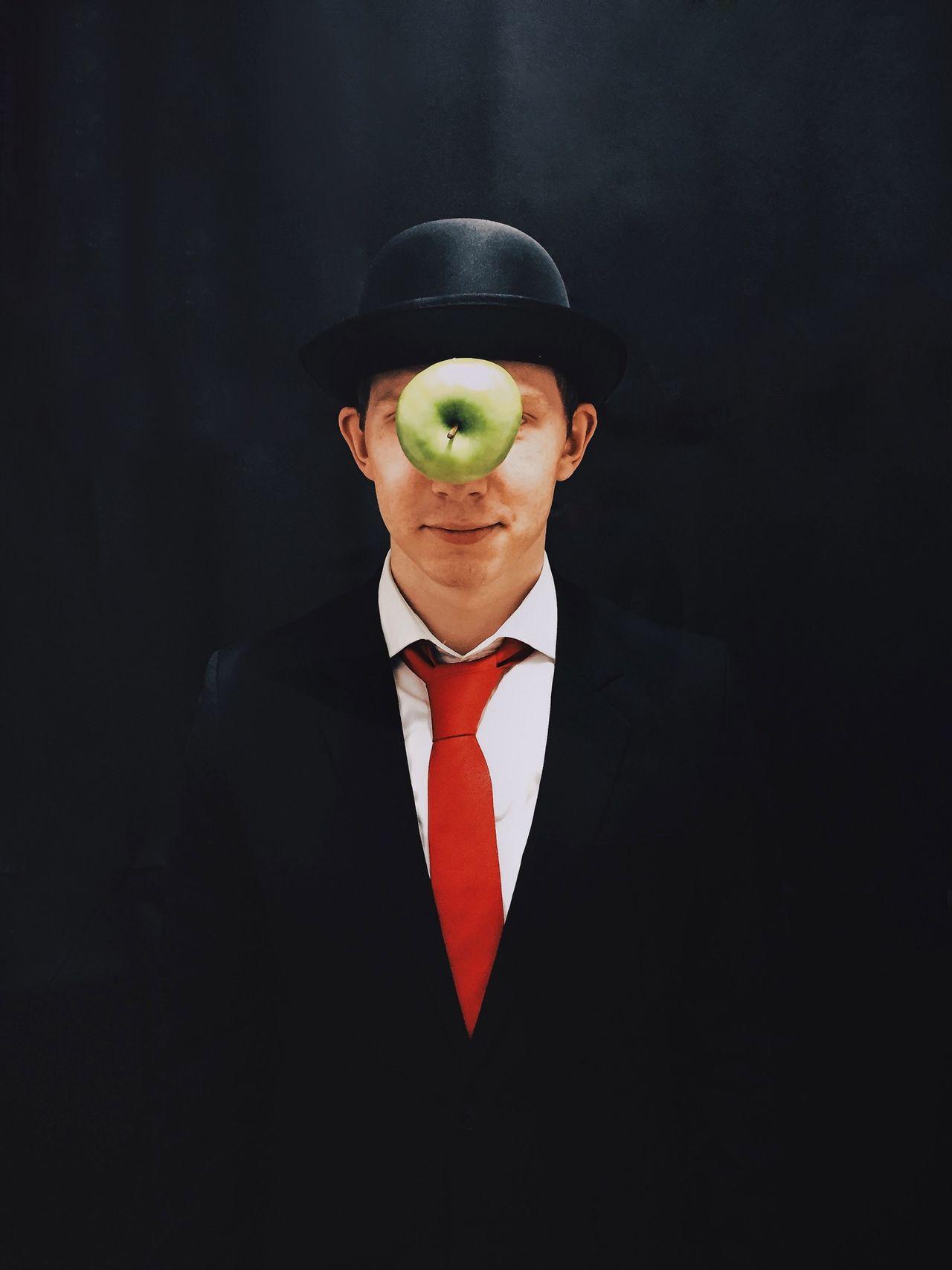 Beautiful stock photos of magic, Apple - Fruit, Berlin, Black Background, Caucasian Ethnicity