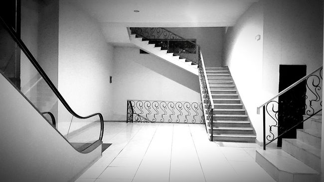 Architecture Stairs Elevator Scene Viewpoint Lift Empty Indoor Black And White EyeEm Tbilisi Georgia Way Options Didube Didube Market EyeEm Best Shots Best Of Stairways Interior Views Lean & Shoot: Balencing Elements Telling Stories Differently My Favorite Photo The Architect - 2016 EyeEm Awards Monochrome Photography Interior Style