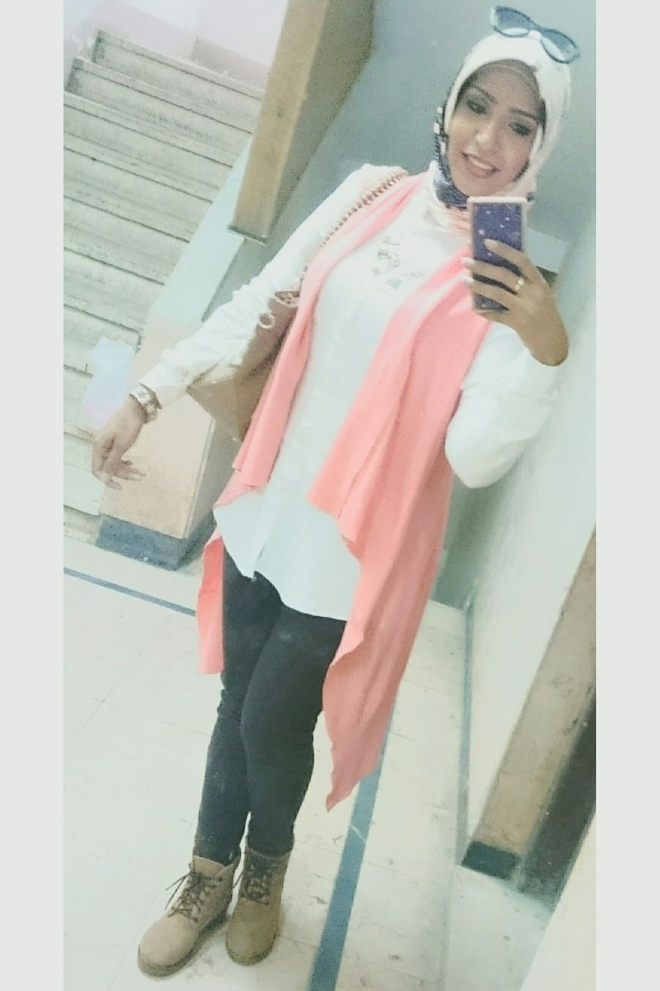 Semi-classic Full Length Unique Elégance Fation Females Business Finance And Industry Selfie ✌ Beautiful Girl That's Me Cheerful Happiness Smiling Beauty Young Adult Simple Beauty Beautiful ♥ Hijabfashion Photo Shoot Phoneography Photo Of The Day Photo PicturePerfect Hijab Simply Me ❤