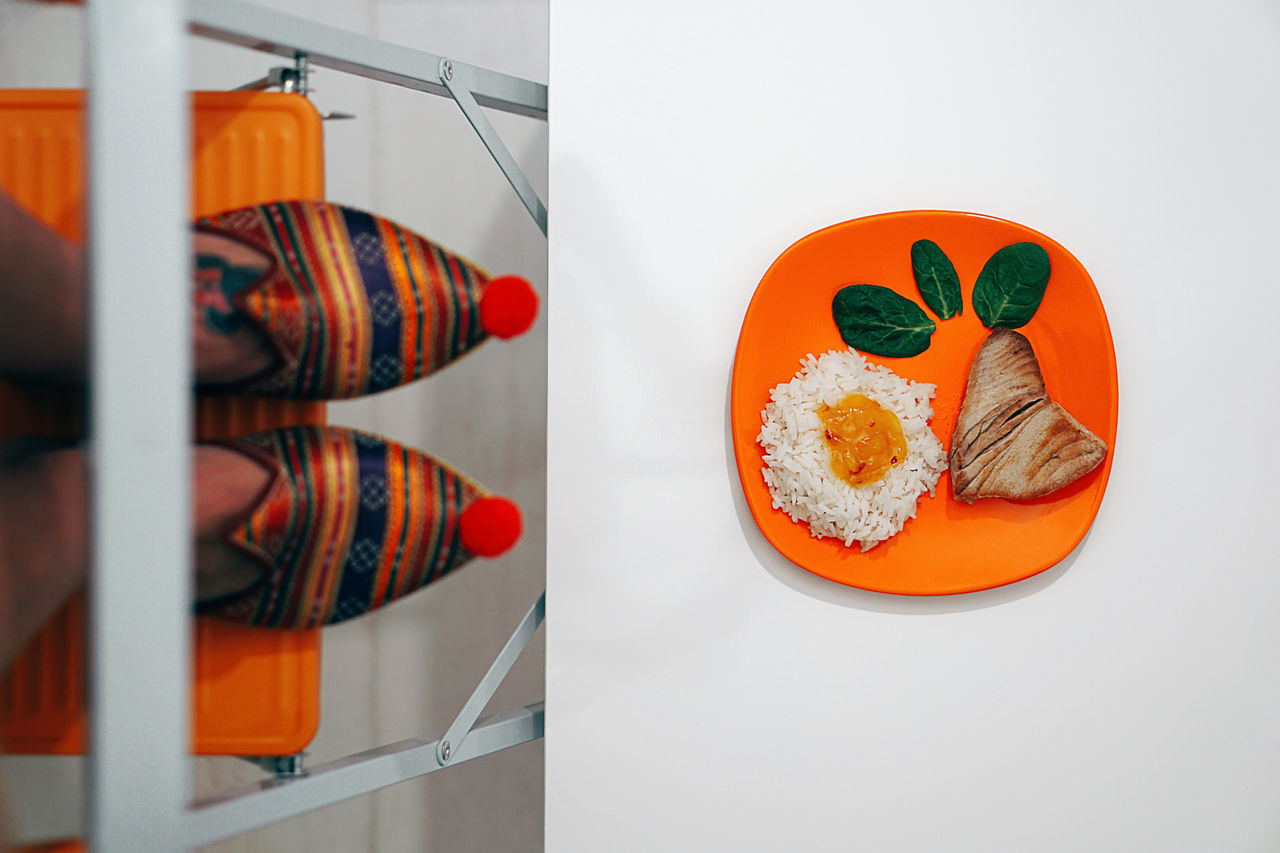 Somebody cooked today. Ricewithadropofmangojamtunaandspinach Food And Drink Healthy Eating Indoors  Freshness Arrangement Food Food And Drink Foodphotography Feet Feetselfie Abstract Colors Colorful Colours Orange Ladder Climbing Home Home Sweet Home Tuna Plate Dish Women Around The World EyeEm Diversity Fresh on Market 2017 Visual Feast