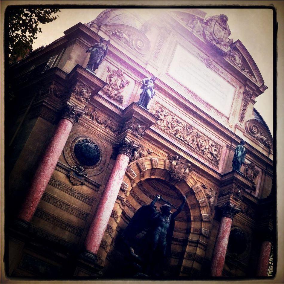 Fontaine Saint-Michel Paris