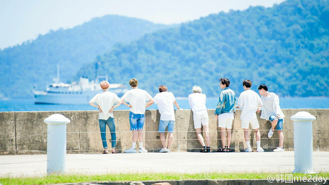 This scene... so peaceful😊😊 Jhope Hoseok J-hope Bts Jhope BTS Bangtansonyeondan Sweetie Bangtanboys Hobbie Jimin❤ J-hope❤ V Suga Jungkook RapMonster BTS Jin BTS Bangtan Boys Peace And Quiet I Love Peace I Love Bts Army Life Sky