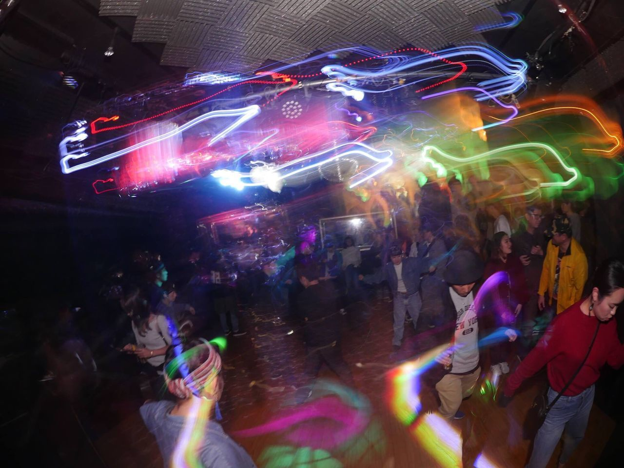 Illuminated Large Group Of People Nightclub Nightlife Multi Colored House Housemusic Housedance Music Real People Dancing Women Enjoyment Night Leisure Activity Fun Celebration Dance Floor Disco Lights Party - Social Event Crowd Disco Dancing Clubbing