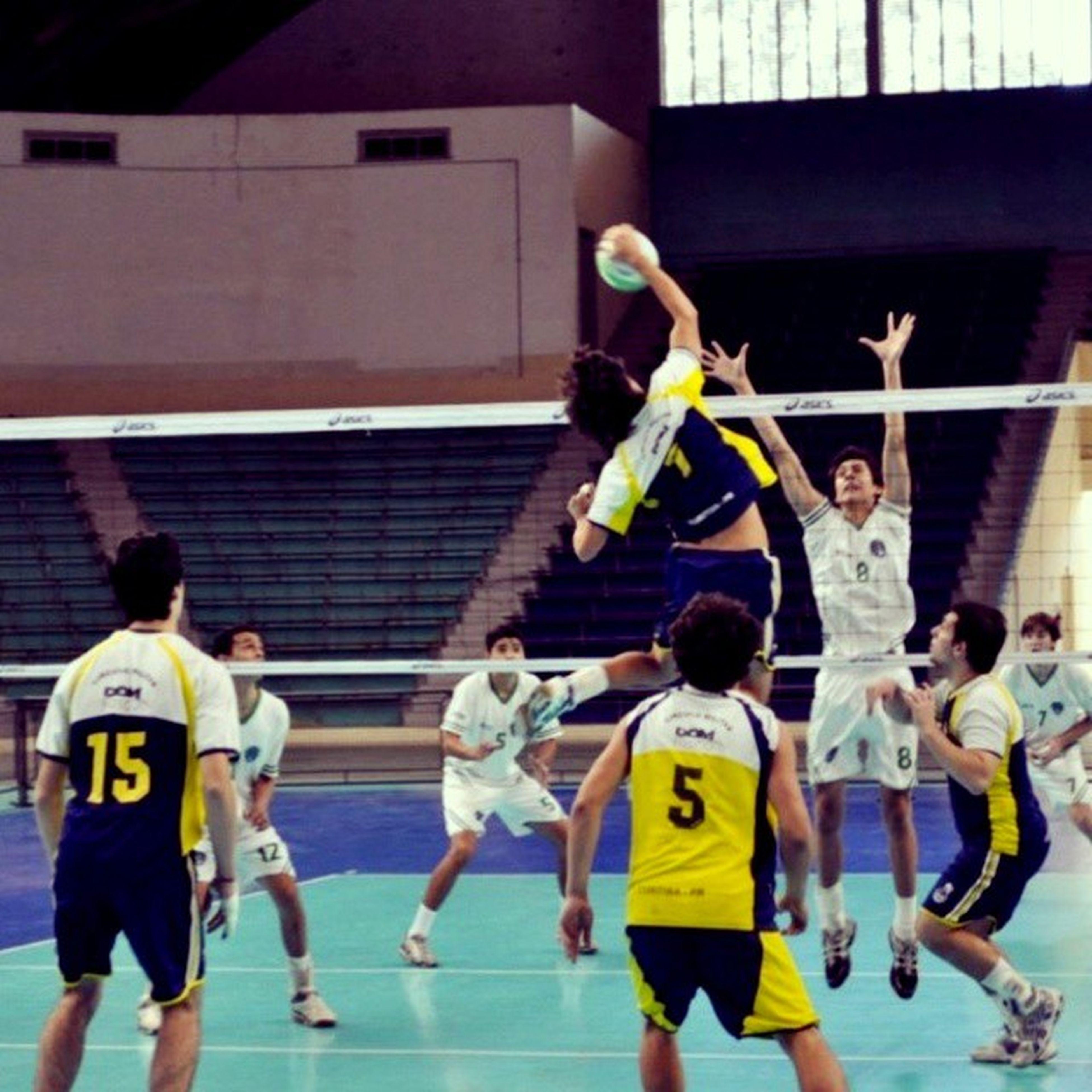 Sequência da foto anterior... Voleibol Cbv Fivb Colegio Faculdade DomBosco BonsCompanheiros Curitiba Paraná Sul Brasil