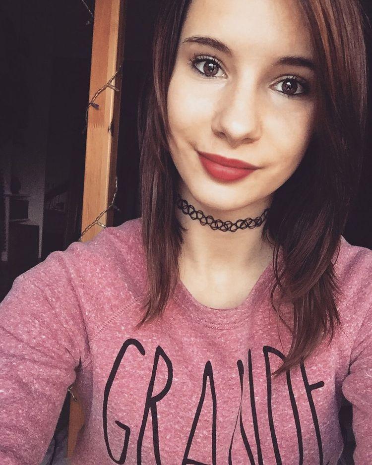 Rien ne sert de se venger contre vos ennemis. Il suffit juste de lui sourire 😉 Frenchgirl Vérité Redlips Kiss Cheese Girl
