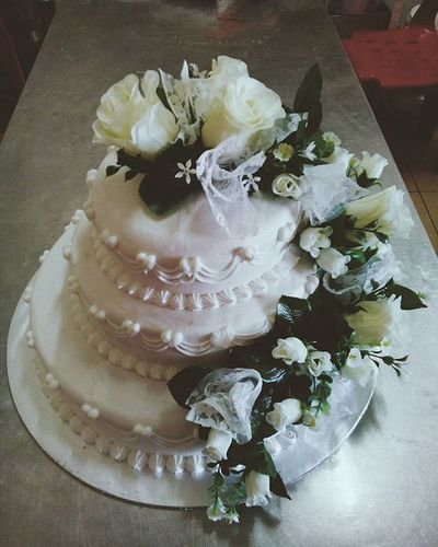 :: another royal_wedding_cake made by a local chinese chef baker kudat ws delivered to our bakery shop for a wedding ceremony coming soon. Wooooo.. 🎂🍰😗😍 Wedding Photography Cake♥ Flowers Decorative Wedding Ceremony To My Friends That Connect