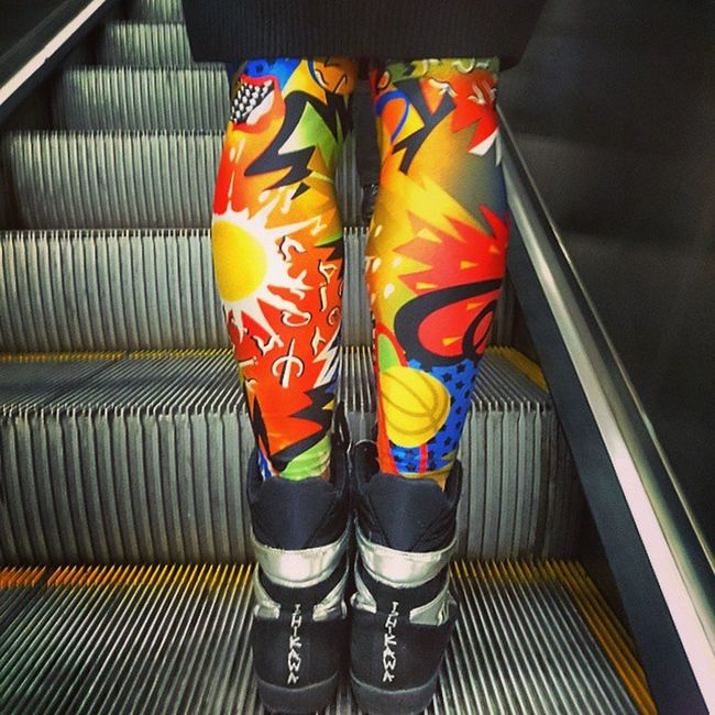 Legs Socks Metro Girl Picoftheday Followme Milanocityufficiale