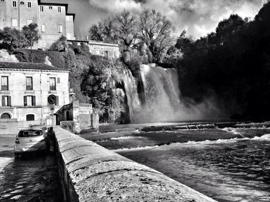 blackandwhite at isola del liri by _hUMANtORCH_