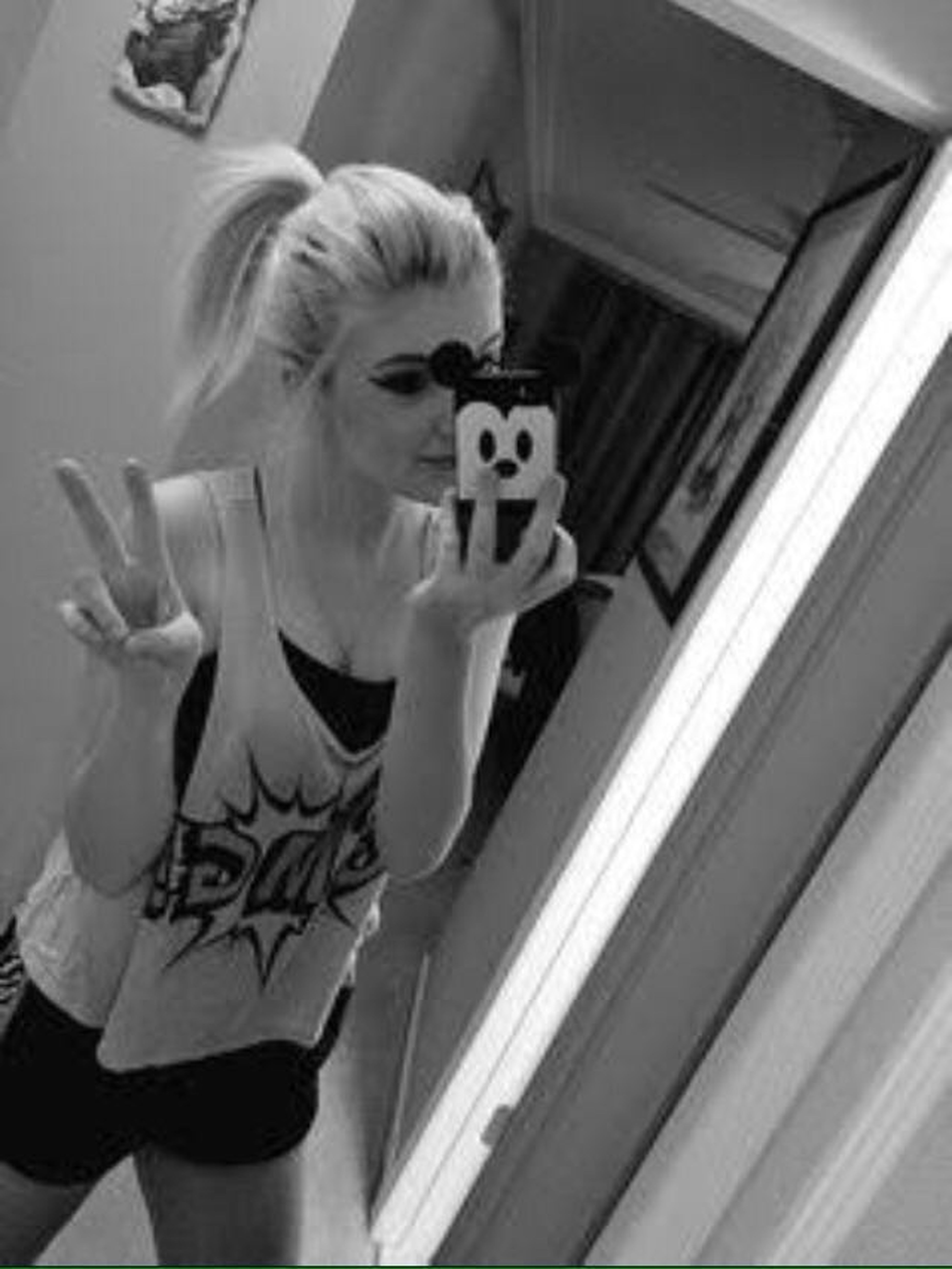 Hi!♥ Good Chill,Good Morning People People Of EyeEn... :)✌