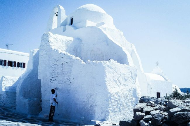 White on white in Mykonos, Greece Taking Photos Streetphotography The Moment - 2015 EyeEm Awards The Street Photographer - 2015 EyeEm Awards The Traveler - 2015 EyeEm Awards My Smartphone Life Amazing Architecture