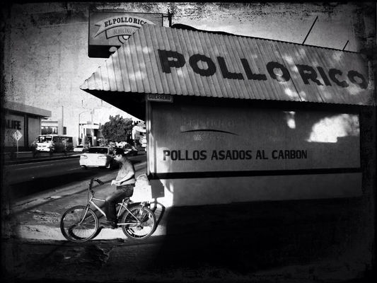 streetphotography in Hermosillo by Miguel Valencia