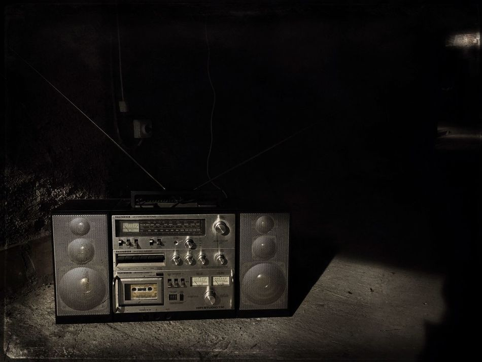 Technology Old-fashioned Communication Antique Analog Close-up Indoors  Electricity  No People Connection 70's Vintage Musical Equipment Cassette Radio Radiocasettes