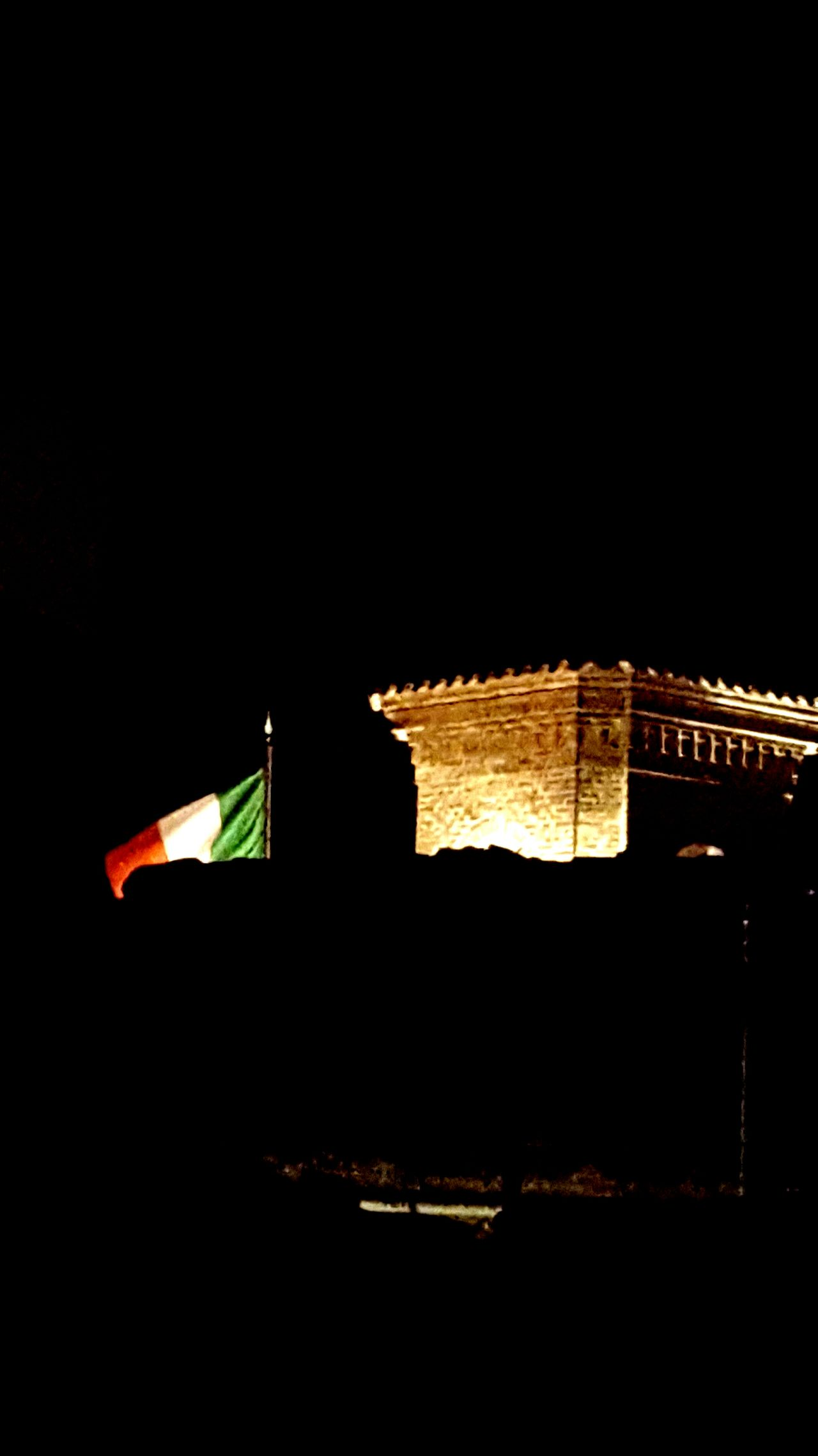 Flags in the night Flag Flags In The Wind  Flags Flag Of Italy Italy I Love Italy 25 Aprile Montecarotto