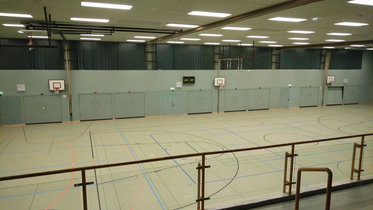 Empty Gym. · Henstedt-Ulzburg Germany Schleswig-Holstein School Sports Hall Sports Fitness Workout From The Outside No People Sterile Lighting Simplicity