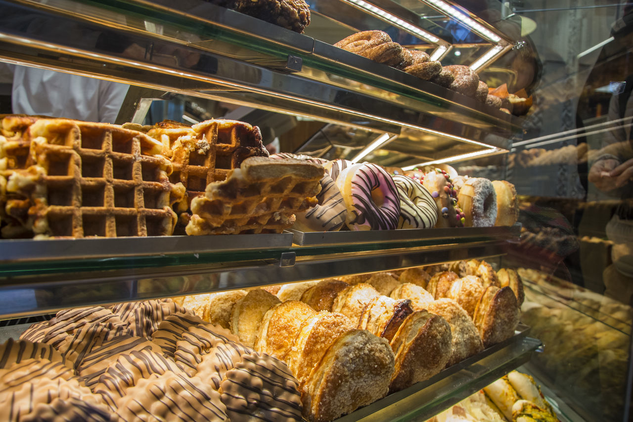 jum jum Bakery Bakery Shop Bread Business Finance And Industry Close-up Consumed By Consumption Consumers Day Doughnuts Food Food And Drink Freshness Healthy Eating Indoors  Jummy Large Group Of Objects No People Shelf Waffle Waffles