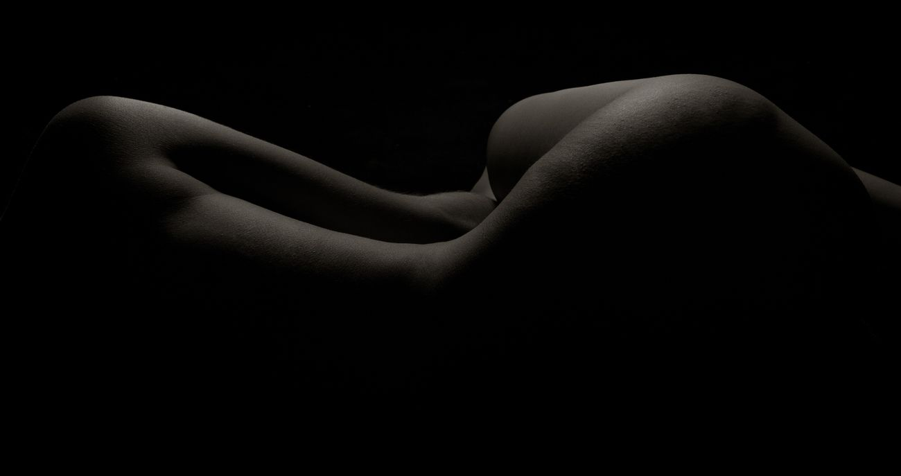 Bodyscape Bodyshot Black And White Black & White EyeEm Best Shots - Black + White Blackandwhite Photography Model Studio Shot Shooting Beauty Akt Body Curves  Bodyart Body & Fitness Sensual_woman Sexygirl Theamazinghumanbody The Amazing Human Body