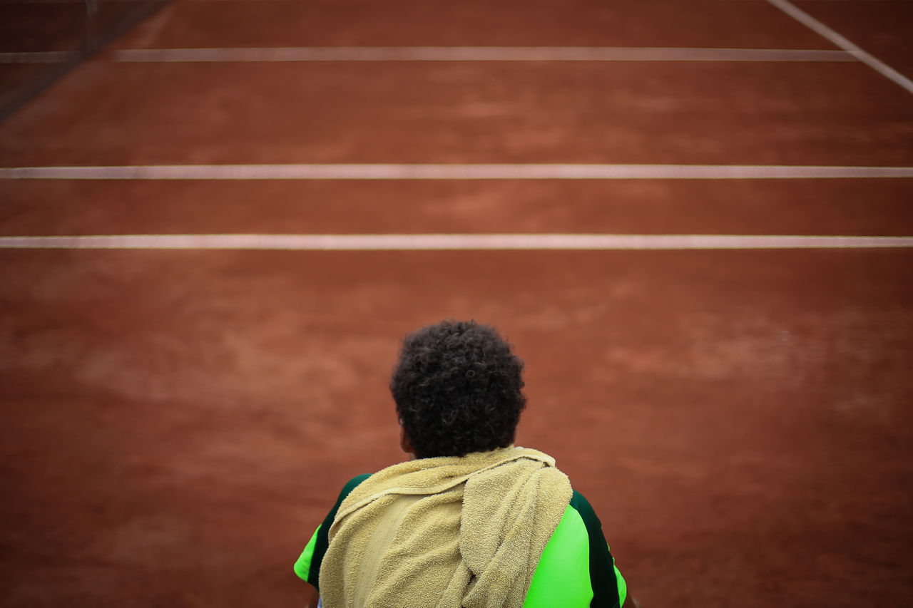 a tennis player looking at the court after being defeated in cordoba Argentina. Court Defeated Game Lines Player Result Sadness Tenis Genuine Brazil Images