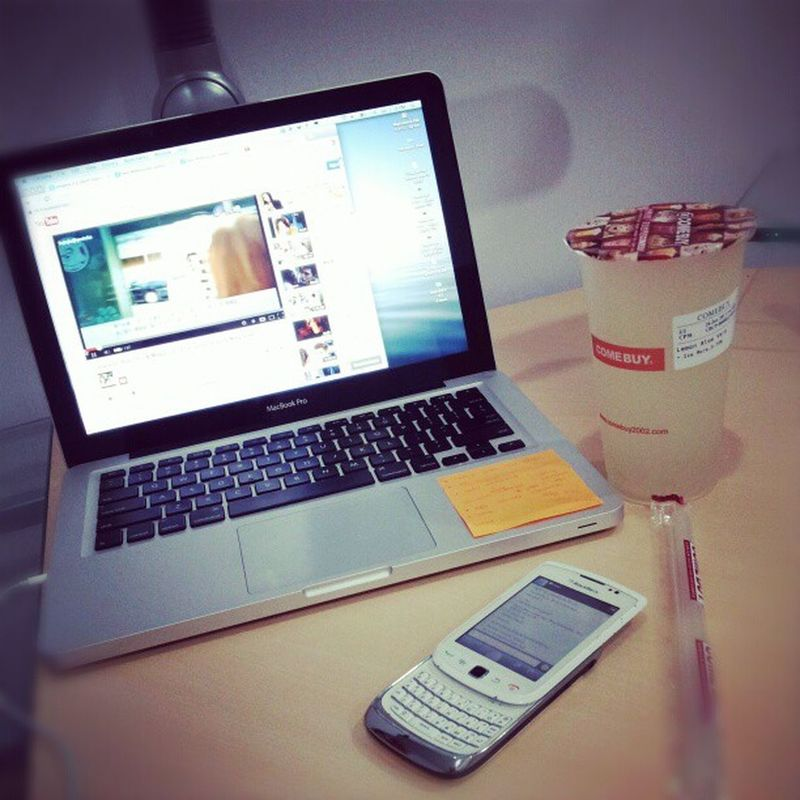 Lovely stuff Accompany me Everyday . Macbox apple chatime drink kiss candy on my desk