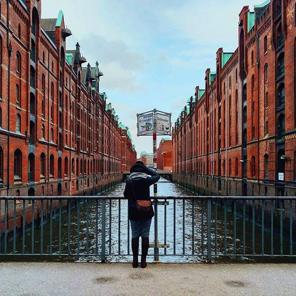 @iva_anchikova робіць файныя фотаздымкі Гамбургу, пакуль я раблю яе файныя фотаздымкі 😉 Hamburg Instahamburg Belinsta Vscocam