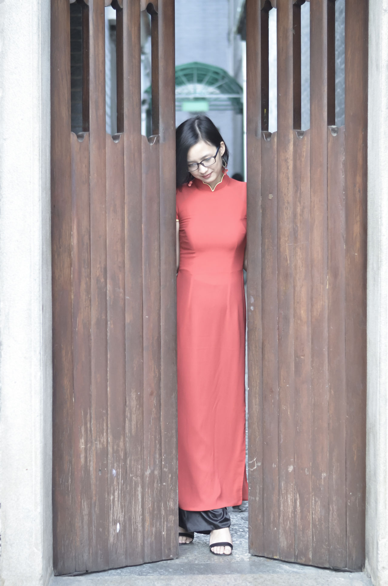Girl and Ao dai Viet Nam Ao Dai Vietnam Beautiful Beautiful Woman Day Flower Focus Object Girl Portrait Tet 2017 Tet Holiday Tet In Saigon Thien Hau Temple Tết Việt Nam Viet Nam áo Dài ❤