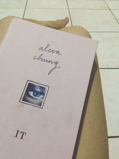 ?? Book IT Alexa Chung