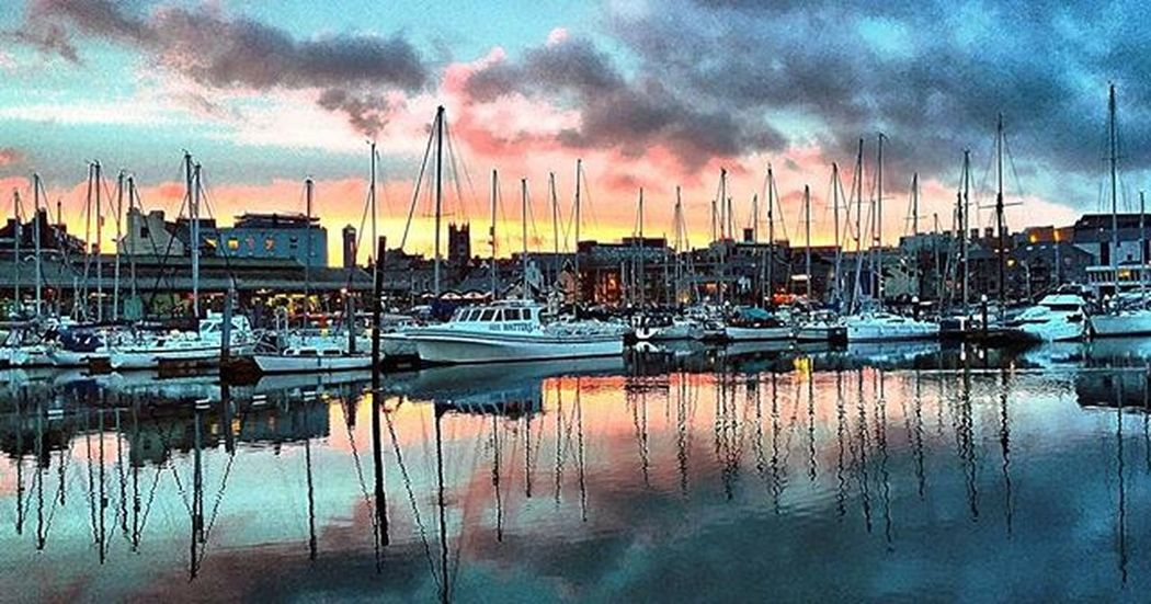 Sunset over Sutton harbour @suttonharbour @plymouthuk @britainsoceancity Suttonharbour Plymouthbarbican Plymouth Harbour Sunset Lifethroughalens @ilovesouthdevon Devonlife Reflection Sunset Amaturephotography RedSky Southwestlife Southwest  SouthWestEngland Seaview Clouds Nikonphotography Nikon Nikond3200 Lovephotography