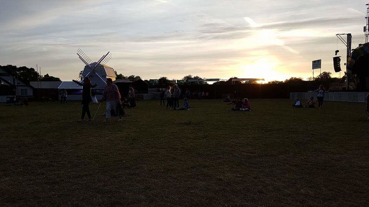 Throw back to BST Hyde Park festival Sky Cloud - Sky Outdoors Sunset Full Length Tree People Architecture Day Adult Music Musicfestival Hydepark Windmill TakeThat Ollymurs Ellaeyre London Throwback Good Times Summer British Summertime