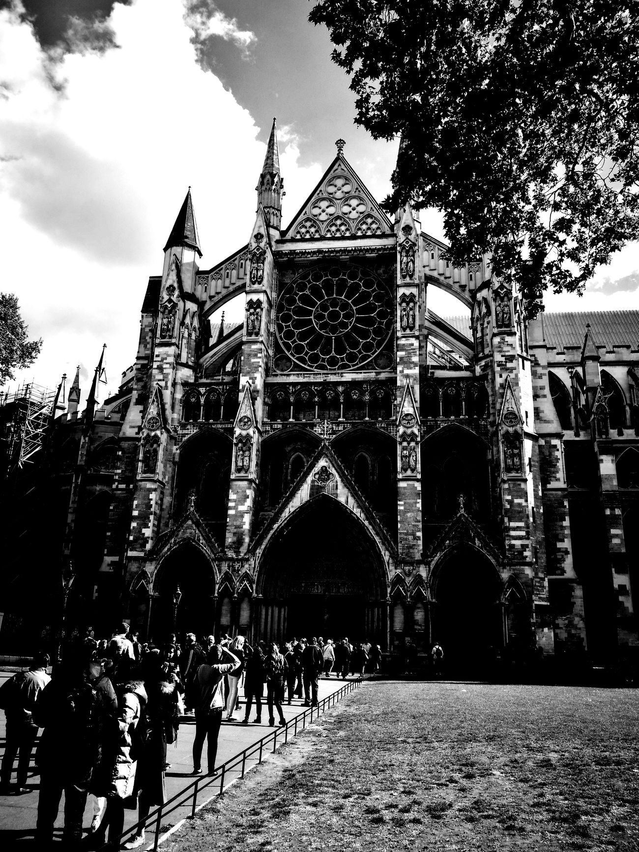 Architecture Building Exterior Built Structure London London Lifestyle Church Architecture Westminster Abbey Westminsterabbey Westminster Travel Destinations Snapshots_daily Photography Photography Snapshot Photooftheday First Eyeem Photo PhonePhotography Snapshots_daily Mobilephotography Blackandwhite Photography