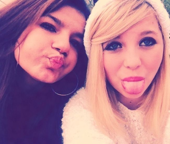 Ma Meilleure Amie. <3 Hanging Out