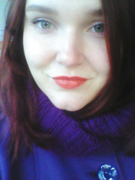 Relaxing That's Me Hi! Hello World Eyes Beautiful Beauty Hi Red Lips Green Eyes Girl Sweet Lips Mimimi Sweet Autumn Red Hair Love <3