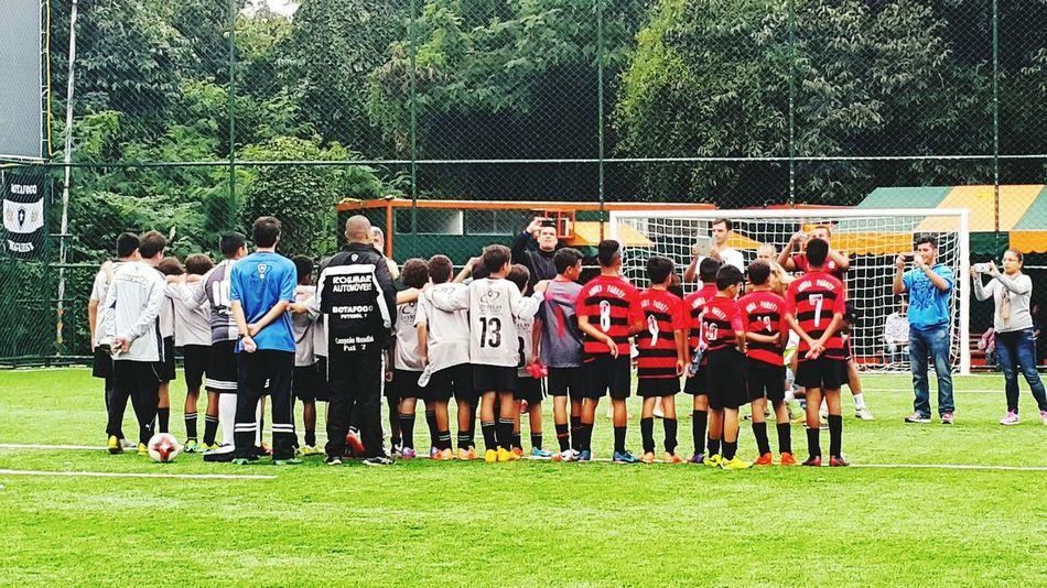 o futuro do futebol não está na Europa. É tempo de recomeçar das bases uma nova filosofia educativa. Football Futebol Esport Juventus Childhood Riodejaneiro Brasil